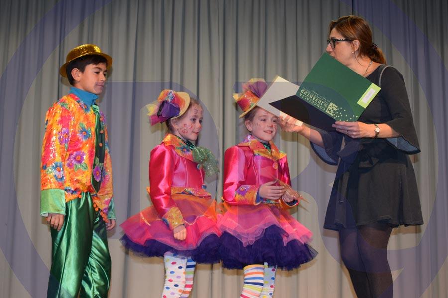 Lucía, Carmen y Pablo Ortega. Presentadores de circo